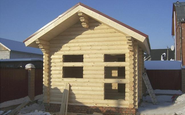 """Дом из оцилиндрованного бревна """"Проект 550-8"""", 18 кв.м."""